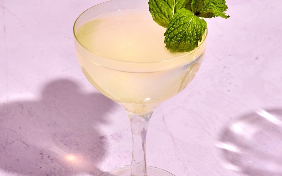 Low-FODMAP Cocktail: The Lavender Gimlet